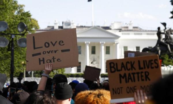 إعلان حظر التجول في واشنطن بعد اقتراب المحتجين من البيت الأبيض