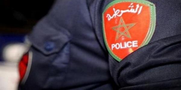 الفرقة الوطنية تحل بهذه المدينة وتوقف ضابطين من داخل مقر عملهما للتحقيق
