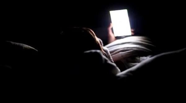 هل يمكن لهاتفك أن يكون مساعدا للحصول على نوم هادئ؟