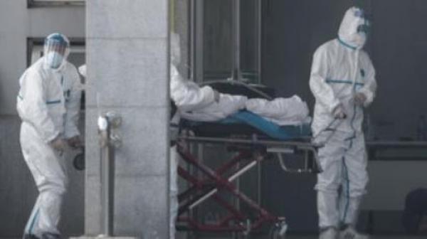 خاص: رجال الوقاية المدنية بالبيضاء ينقلون 3 مغاربة مشتبه في إصابتهم بكورونا إلى المستشفى