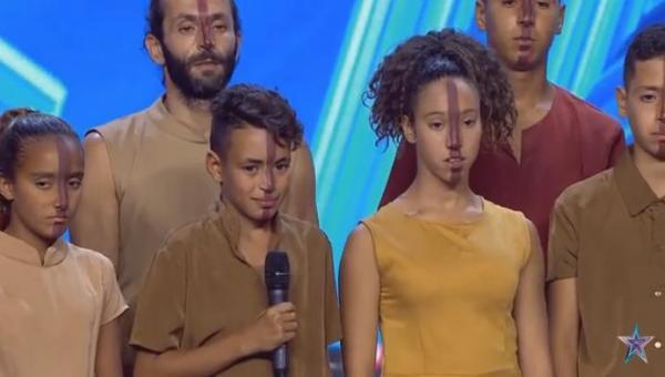 """أطفال مغاربة متخلى عنهم يخلقون الحدث في برنامج """"إسبانيا غوت تالنت"""" وينتزعون """"الباز الذهبي"""" (فيديو)"""