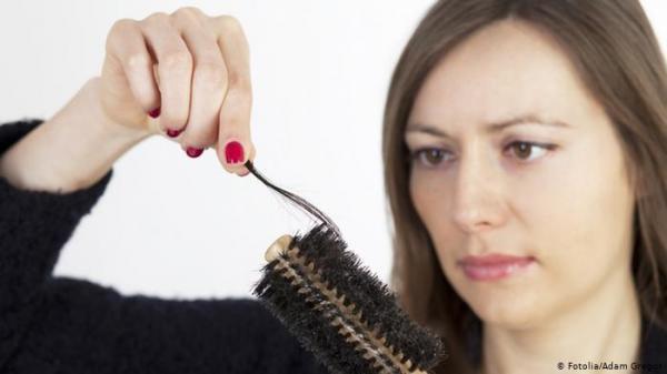 أخطاء تؤدي لتساقط الشعر بعد غسله.. تعرف عليها!