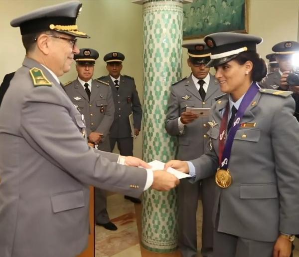 الملك محمد السادس يعزي في وفاة المظلية العسكرية مليكة لحمر