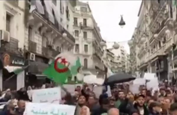 الجزائر: مسيرات رافضة للانتخابات وأخرى مؤيدة للجيش والاستحقاق الرئاسي