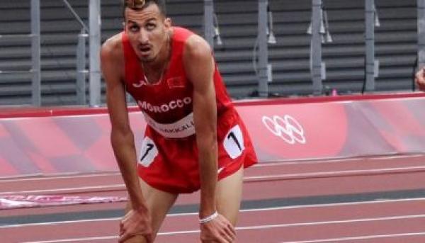 """البطل المغربي """"سفيان البقالي"""" يتحدث بتفصيل عن الأسباب الحقيقية التي جعلته ينسحب من سباق 1500 متر"""