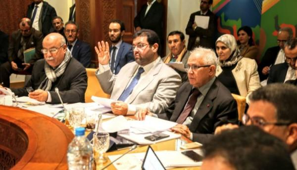 """""""أبودرار"""": الحكومة لجأت إلى الفصل 77 من الدستور لتفادي إحراج مكونات أغلبيتها"""