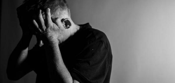 """من بينها الاكتئاب والوسواس القهري .. طبيب يحذر المغاربة من الأمراض النفسية الناجمة عن جائحة """"كورونا"""""""