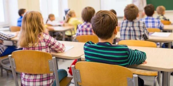 """مفاجأة ... """"أمزازي"""" يعد بدعم التعليم الخصوصي للوصول إلى العالم القروي"""