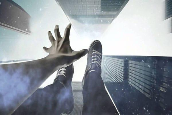 مؤلم..مهاجر مغربي باسبانيا يسقط من الطابق العلوي ويلقى حتفه على الفور وهذه مدينته المغربية