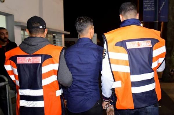 في وقت قياسي...أمن الدار البيضاء يطيح بالقاصر الذي روع ساكنة حي مولاي رشيد