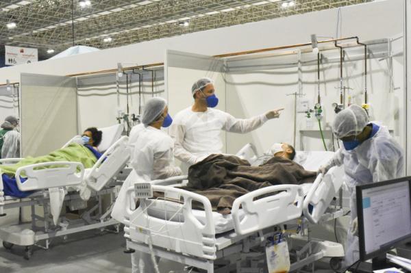 عدد الحالات الحرجة بسبب كورونا يتراجع بالمستشفيات وتزايد المرضى الموضوعين تحت التنفس الاصطناعي يثير القلق