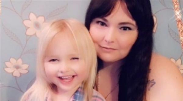 طفلة عمرها 6 سنوات تتصل بالشرطة وتطلب اعتقال والدتها
