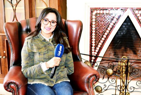"""سميرة الهاشيمي لـ""""أخبارنا"""" : """"ربي حيد ليا يدي وعطاني محبة الناس وزوج رائع والحادث غير حياتي  (فيديو)"""