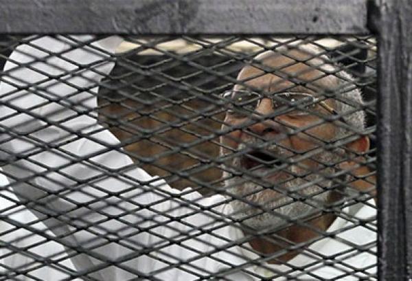 """محكمة مصرية تقضي بالسجن المؤبد لمرشد """"الإخوان"""" و10 من قادة الجماعة بتهمة """"التخابر"""""""