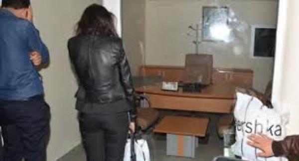 """اعتقال """"بزناس"""" رفقة فتاة على متن سيارة قادمة من الشمال..وهذا المحجوز (صورة)"""