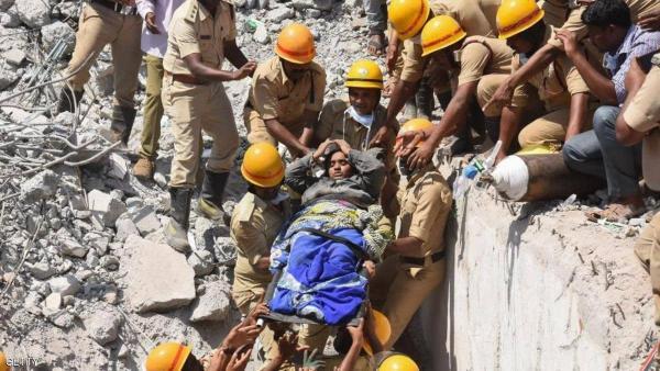وفاة  17 هندي بسبب انهيار جدار أثناء نومهم