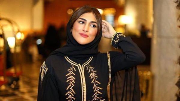 """المغربية """"أمينة كرم"""" تفقد أعصابها على المباشر وتهاجم متتبعيها: """"بغيت نشدكم ونخشيكم فشي فران ونشعل فيكم العافية"""""""