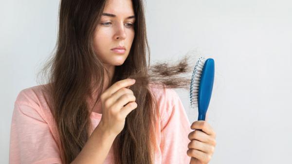 أوقفي تساقط الشعر بمنتج طبيعي