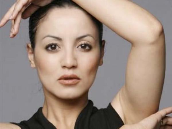 """الفنانة سناء عكرود تتخذ قرارا مفاجئا بخصوص ظهورها على """"اليوتيوب"""" (صورة)"""