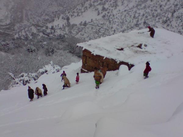 استئناف الدراسة في 865 مؤسسة تعليمية بالمغرب بعد تعليقها بسبب سوء أحوال الطقس