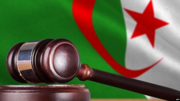 """إدانة """"حمار"""" بـ 5 سنوات سجنا نافذا بتهمة خيانة الأمانة واختلاس أموال"""