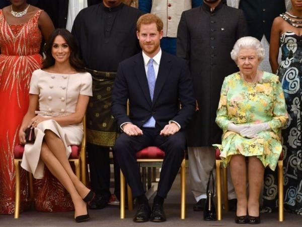 ملكة بريطانيا تحسم في قرار تخلي الأمير هاري وزوجته عن مهامهما الملكية