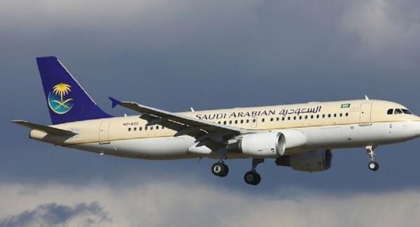 حدث في السعودية...مسافرة تجبر طائرة على العودة إلى مطار جدة بعد أن قامت بفعل لا يصدق