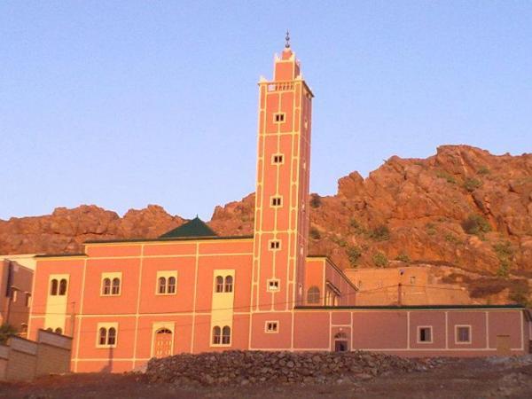 غريب...السلطات تمنع رفع القرآن عبر مكبرات المساجد لإخبار ساكنة الدواوير الجبلية بالوفاة!