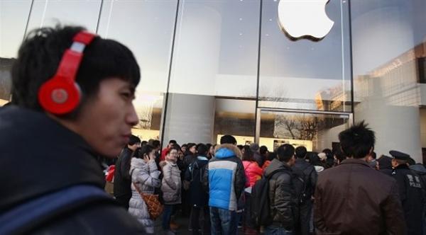 شعبية شركة آبل تنزل للحضيض في الصين بسبب الحرب التجارية