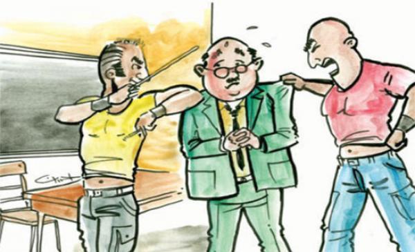 مرة أخرى ... مدير مؤسسة إعدادية يتعرض لاعتداء شنيع من طرف أب تلميذ بضواحي فاس