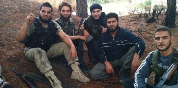 مقاتلون مغاربة فروا من الجحيم السوري عالقون بتركيا وهذه التفاصيل