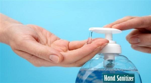 لماذا يحذر الخبراء من الإفراط في استعمال معقم اليدين؟