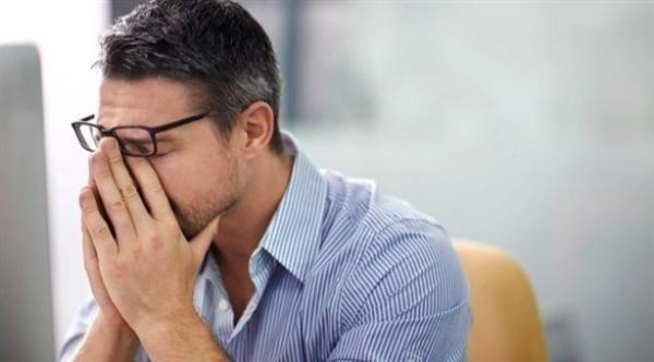 الاكتئاب وصدمات الطفولة يسببان شيخوخة مبكرة