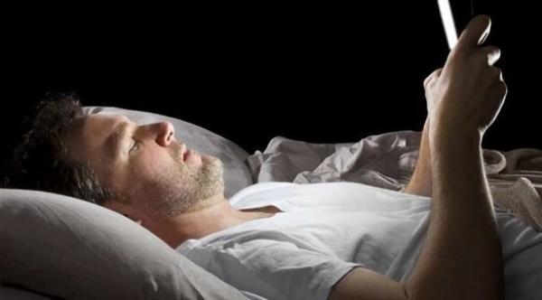 دراسة جديدة تحذر من أخطار السهر بعد منتصف الليل كل يوم