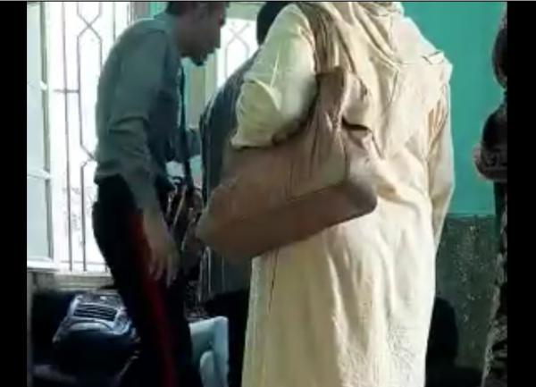 """فيديو: وزارة التعليم تُعاقب """"السكيورتي"""" الذي ثار بشكل غريب في وجه مواطنة وتكشف روايتها"""