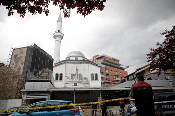 خمس إصابات في حادثة طعن داخل مسجد في ألبانيا