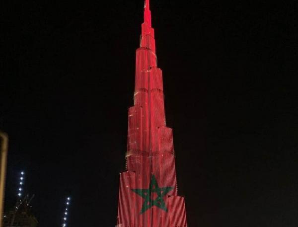 بالفيديو: برج خليفة بدبي يتزين بألوان العلم المغربي