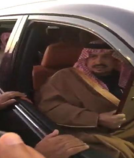 بالفيديو:مواطن  سعودي يفاجئ أمير الرياض بطلب غير متوقع