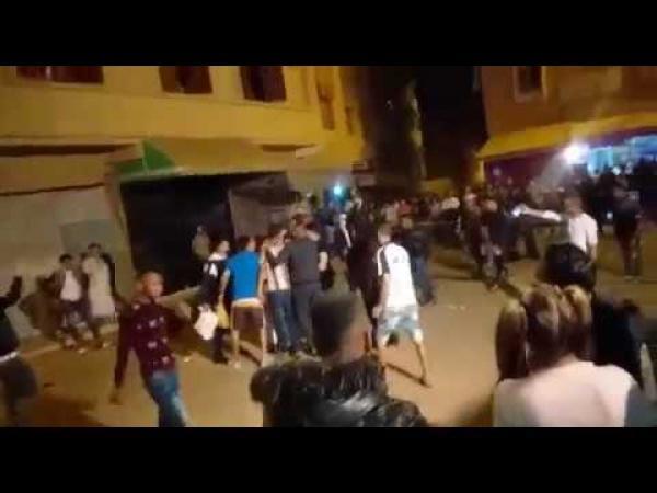 """اعتقال مُهاجم المحتفلين بمهرجان """"بوجلود"""" بسيف كبير وهذه تفاصيل الواقعة الخطيرة (فيديو)"""