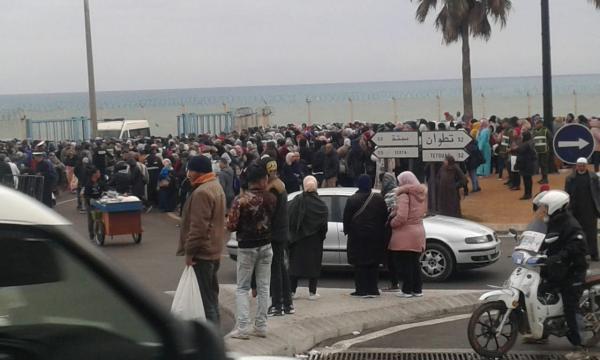 مسؤول مغربي رفيع يكشف عن السلع التي سيكون بإمكان المغاربة إدخالها عبر باب سبتة