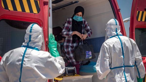 """بسبب الارتفاع الكبير في أعداد المصابين...وزارة الصحة تغير استراتيجية علاج مرضى """"كورونا"""" وتتخذ قرارا جديدا"""