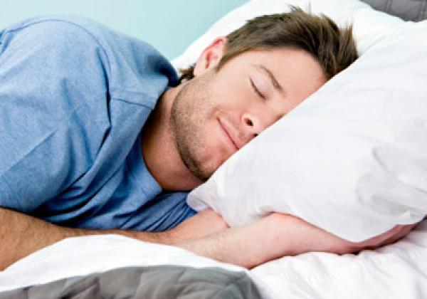 احصل على نوم أفضل عبر تغيير 5 أشياء في أسلوب حياتك