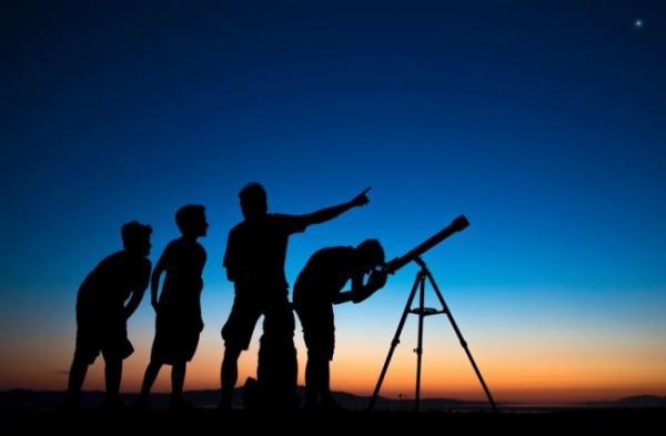 الحسابات الفلكية تكشف عن موعد حلول عيد المولد النبوي