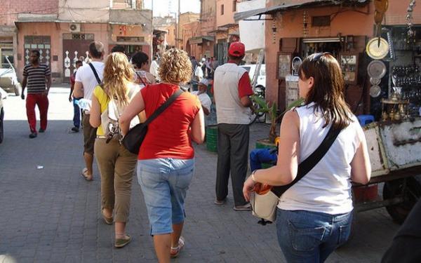 الاعتداء على السياح الأجانب بمراكش...ظاهرة ستدمر اقتصاد المغرب السياحي