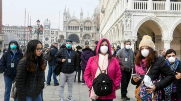 إيطاليا تُسجل حصيلة يومية ثقيلة لإصابات ووفيات كورونا وخروج احتجاجات على قرار الإغلاق