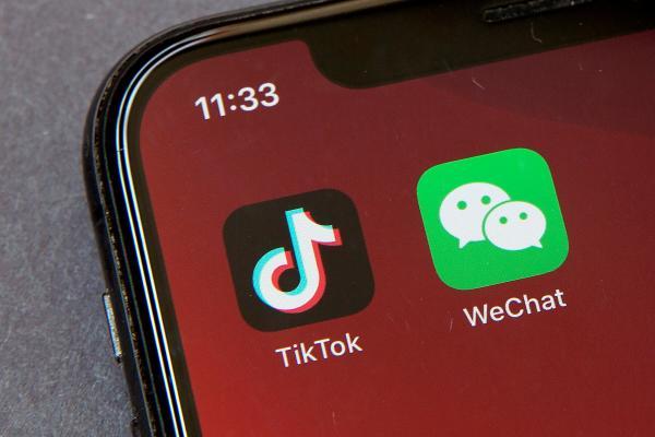 رسميا.. حظر تنزيل تطبيقي (تيك توك) و(وي تشات) الصينيين في الولايات المتحدة