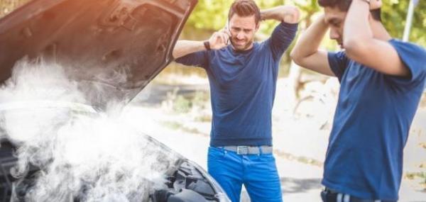 تعرف على أبرز أسباب ارتفاع حرارة المحرك وأضراره على السيارة