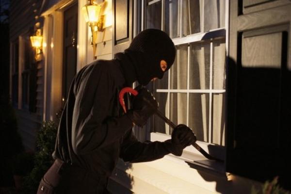 اعتقال عصابة تتكون من 3 قاصرين سرقوا منزلا بطريقة احترافية والدرك يضع كمينا ويسترجع جميع المسروقات!