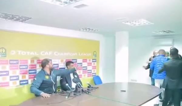 فيديو: صراع في الندوة الصحفية بعد مباراة الرجاء والترجي