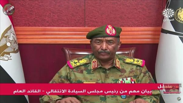 السودان ... إعلان حالة الطوارئ وحل مجلسي الوزراء والسيادة